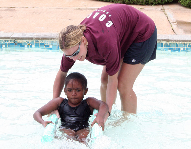 Hannah Middleton: Teach Swimming to Kids in South Africa